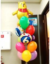 № 10.43.  Фонтан из воздушных шаров: 13 шаров пастель, две цифры, медвежонок. Стоимость с обработкой - 1428р., без обработки - 1298р.