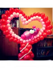 №14.32.  Сердце из шаров с мишкой, высота 130см., стоимость - 1500р.