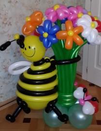 №1.03. Пчела с цветами, 15 шт., и бабочкой. Стоимость - 1650 р.