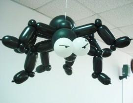 №8.09. Паук под потолок из воздушных шаров - 300 руб.