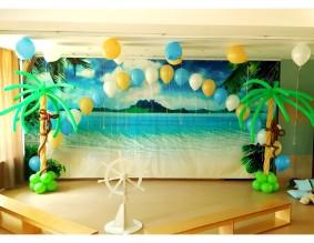 №6.25. Стоимость композиции - 2600р., включено: две пальмы (высота 1.7 метра), арка из 20-и гелиевых шаров.