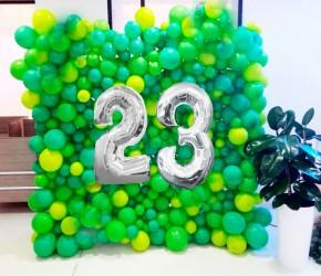 """№11.61. Фотозона из шаров, цвет любой - 1600р/кв.м. Цифры """"23"""" воздух - 800р."""